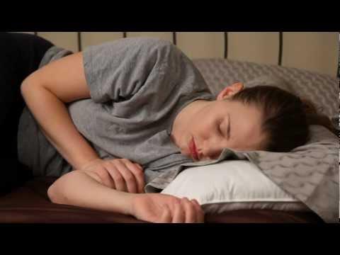Short Film: HOLLYWOOD SKIN (2010) thumbnail