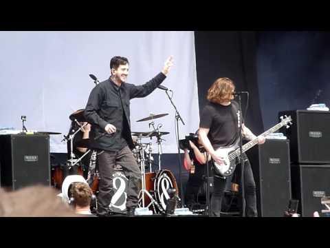 Of Mice & Men - Intro + Bones Exposed Live@Rock Im Park 2016