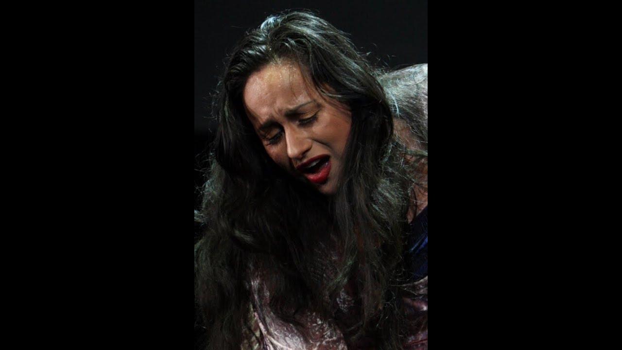 Adriana Lecouvreur Poveri Fiori
