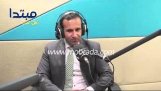 فيديو| طبيب عيون يحذر من أمراض الربيع على «الراديو 9090»