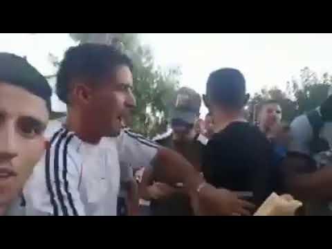 نجم برشلونة سواريز في أحياء طنجة دون أمن وحراسة