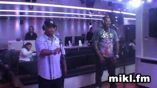 "Petit Live Improvisé de Busta Rhymes chez Mikl "" Break ya neck"""