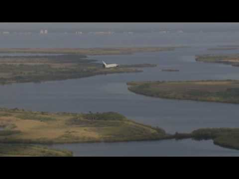 Space Shuttle Discovery Landing STS-131 20 April 2010 in HD