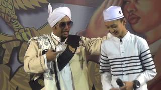 Video ( ayo move on ) lantunan sholawat gus azmi di majlis nurul musthofa download MP3, 3GP, MP4, WEBM, AVI, FLV Mei 2018