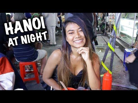 HANOI NIGHTLIFE | TRYING VIETNAMESE HOOKAH ON BEER STREET 🇻🇳