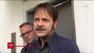 Страна — шапито: В Киеве «патриоты» привели козла под посольство Чехии