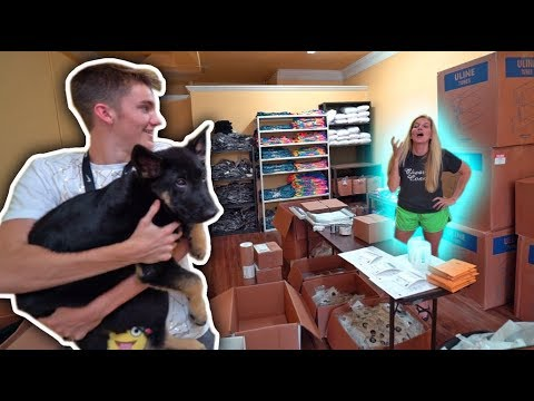 Thumbnail: SURPRISING MY MOM WITH A NEW DOG! *PRANK*
