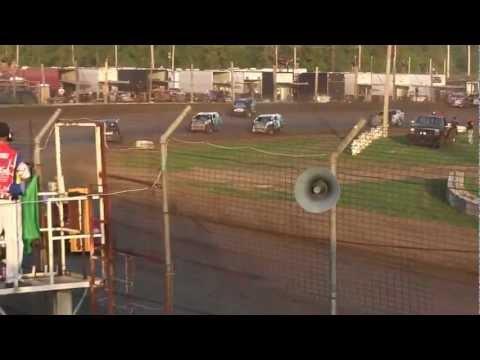 USMTS @ Upper Iowa Speedway Hunt Rcae #8 Heat#3   8 18 2012