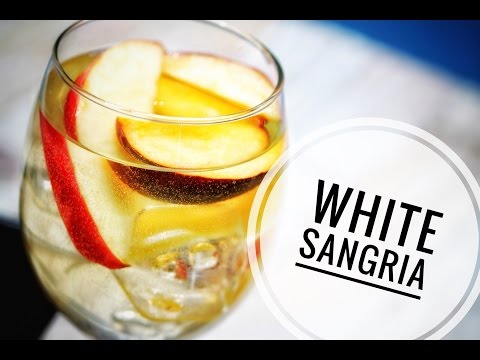 fruit-salad-in-a-glass-white-wine-sangria!
