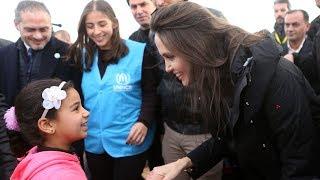 Анджелина Джоли в пятый раз приехала к сирийским беженцам в Иорданию