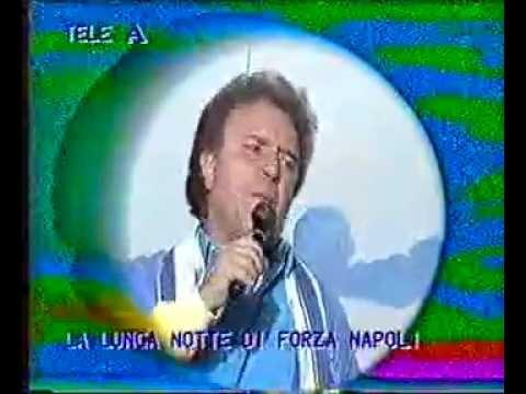 Maradona è meglio e pelè Canta: E. Romano- Spettacolo di Ennio Fo-