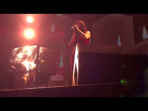 Silent Night (clip) ~ Martina McBride