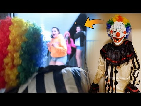 KILLER CLOWN SCARE PRANK ON FANS! (THEY WERE SO SCARED!)