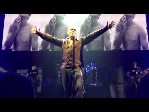 "Morrissey : ""The last of the famous international playboys"" Live at Brixton London 1/3/18"