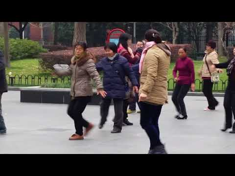 Locals Square Dancing (广场舞) in Zhongshan Park 中山公园, Shanghai, China