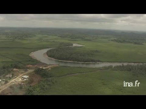 Gabon : rapides sur le fleuve
