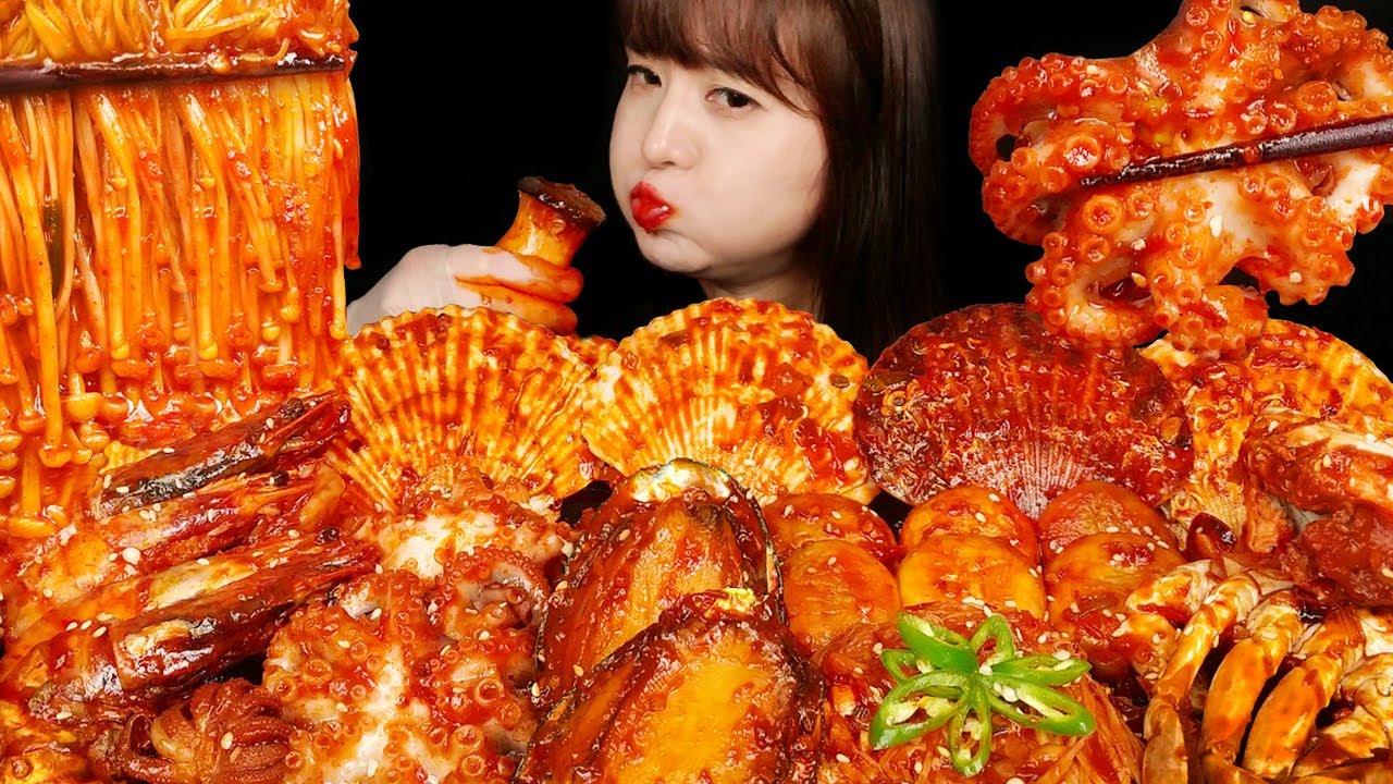Download ASMR (요리&먹방)불닭소스와 인도네시아 삼발소스로 넣어 만든 매콤한 해물찜(꽃게, 전복, 가리비,새우,주꾸미,팽이버섯,새송이버섯, 갑오징어) 리얼사운드 먹방 MUKBANG