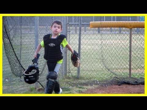 KID LEARNING TO PLAYING CATCHER | ERIKTV365