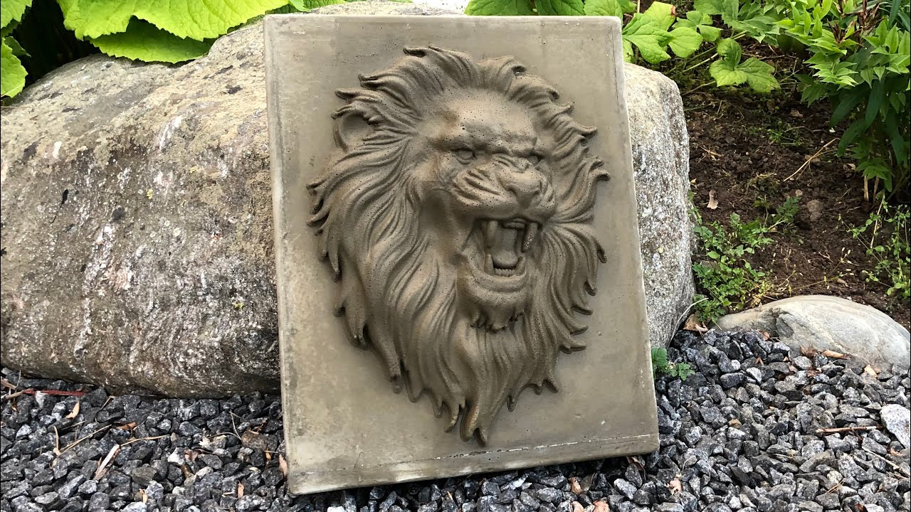 Making a mold for a concrete lion