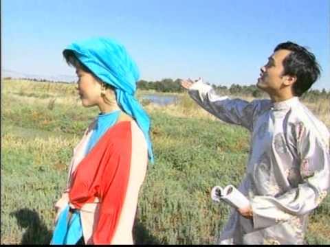 Ngau Hung Ly Qua Cau - Lily Hue & DinhTrung & Lam Vu.mpg