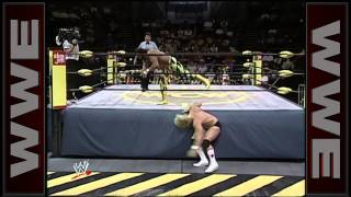"""Macho Man"" Randy Savage vs. ""Stunning"" Steve Austin: WCW Saturday Night, May 27, 1995"