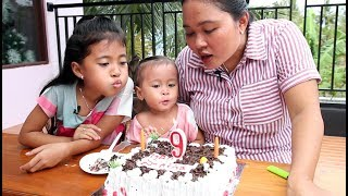 Video Potong Kue Ulang Tahun di Rumah  - Happy Birthday little princess shinta ke 9 download MP3, 3GP, MP4, WEBM, AVI, FLV September 2018