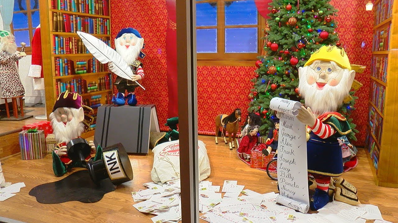 Sims Furniture Christmas Display In Covington Delights Families Across The Tri State