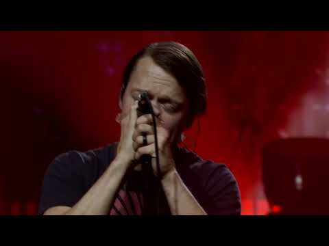 Смотреть клип 3 Doors Down - Dead Love