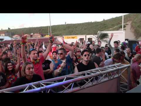 Dumonde Playing Binary Finary - 2000 (Dumonde Remix) @ Luminosity Beach Festival 2011 Part 10