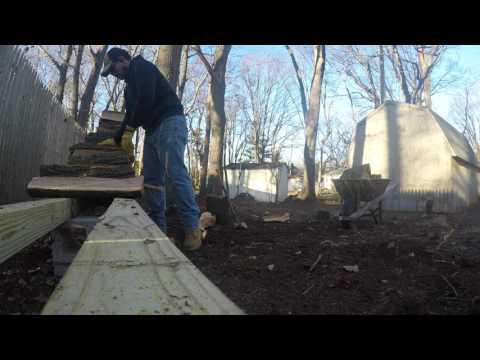 Splitting Oak with Fiskars Maul