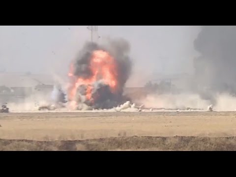 Moment suicide bomber attacks Iraqi forces during Mosul offensive