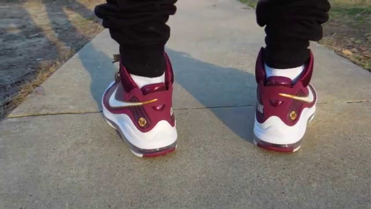 best service 6202d 10072 Nike Lebron VII Christ The King on foot