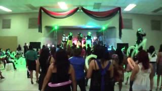 Bailando Menealo en Club de Leones de Rosita DJ Memo Flores