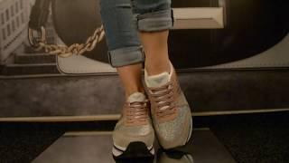 Женские кроссовки Armani 3046