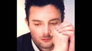 Spiros Spirakos - O Erotas Me Erota Pernaei...