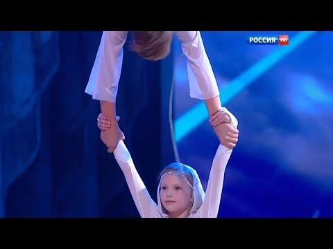 Russian children do acrobatics on a rope.Ekaterina Fedorova,8 y/o and Danil Kazarin,14 y/o