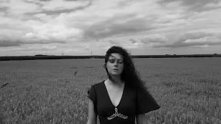 Kiki Manders - Broken Stone (Official Music Video)