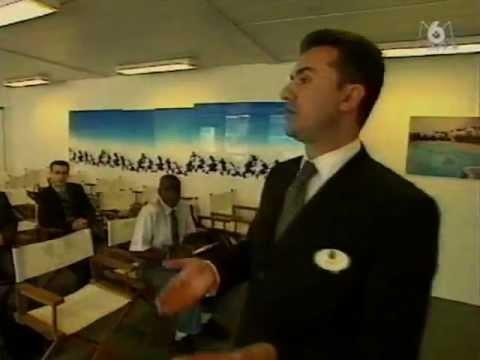 Reportage M6 - Cast Member à Disneyland, les jobs de l'été (1999)