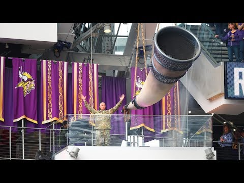 Gjallarhorn, Skol Chant Fire Up Fans Pregame