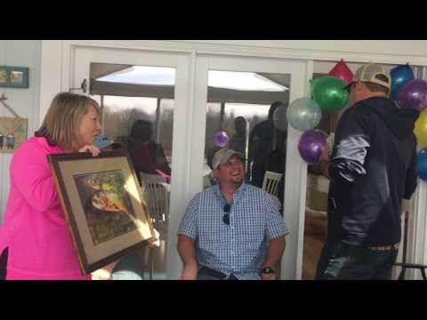 Color Blind Artist Sees His Art for the First Time in True Color!
