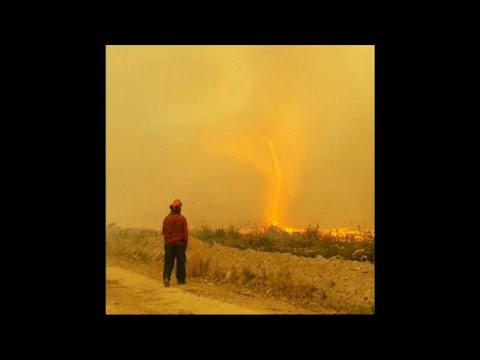 شاهد: إعصار من نار يبتلع خرطوم رجال إطفاء في كندا  - نشر قبل 2 ساعة
