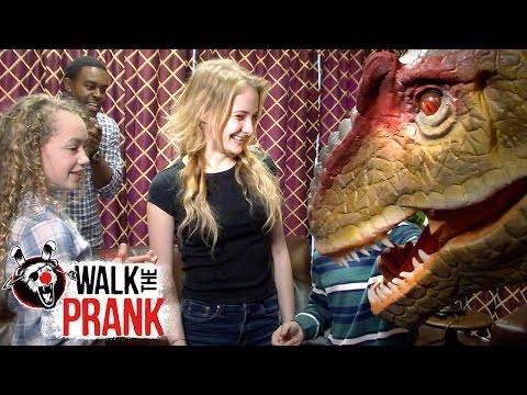 3D Movie | Walk the Prank | Disney XD