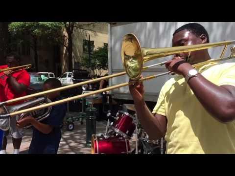Summer brass percussion slō Mō on The Square, Charlotte.