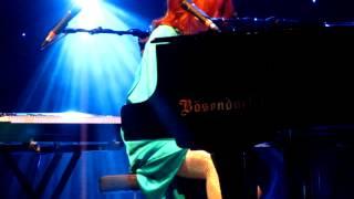 Tori Amos Austin 21 December 2011 Star Whisperer (clip)