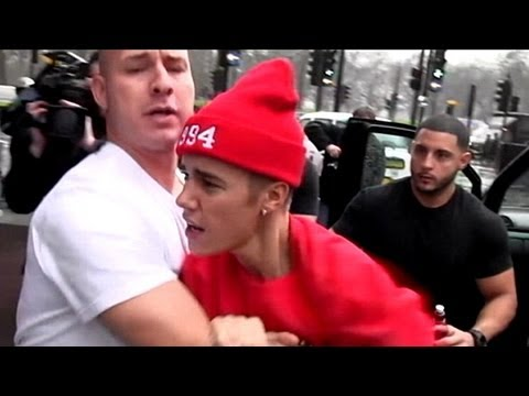 Justin Bieber Attacks Paparazzi: Justin Bieber's  Worst Week Ever  | Nightline | ABC NEws