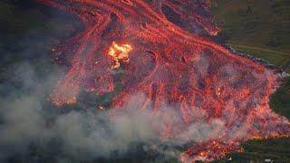 ハワイ・キラウエア噴火 高速の溶岩流が住宅地に
