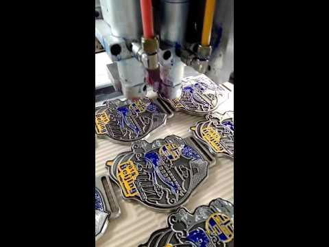 Repeat enameling machine to coloring soft enamel badge  hard enamel