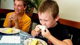 Американские подростки салат МИМОЗА не оценили!