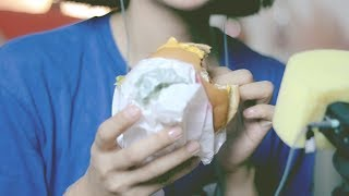 figcaption ASMR 맥도날드 토마토치즈버거 냠냠 이팅사운드 Eating cheese burger (한국어)