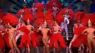 Haute Couture et Cabarets - L'univers des Plumes au Moulin Rouge